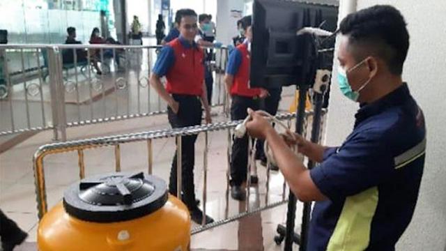 Bandara Juanda Bongkar Bilik Disinfektan di Terminal 1