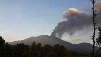 Abu Vulkanik Gunung Raung - tekno.tempo.co