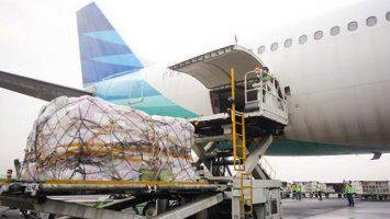 Maskapai Garuda Indonesia melayani penerbangan kargo