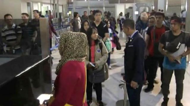 Pengawasan Penumpang Bandara Juanda - jatim.inews.id