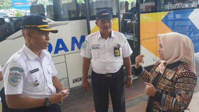 Pemberangkatan perdana angkutan khusus Pemadu Moda tujuan Bandara Juanda-Kota Mojokerto