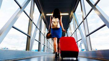Traveler Naik Pesawat - www.travelandleisure.com
