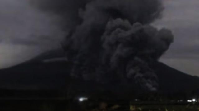 Erupsi Gunung Semeru - (YouTube: KOMPASTV)