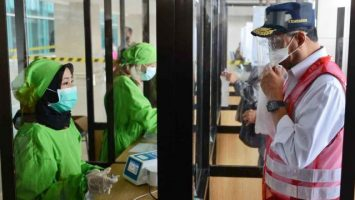 Menhub Budi Karya Sidak Layanan GeNose di Bandara Juanda